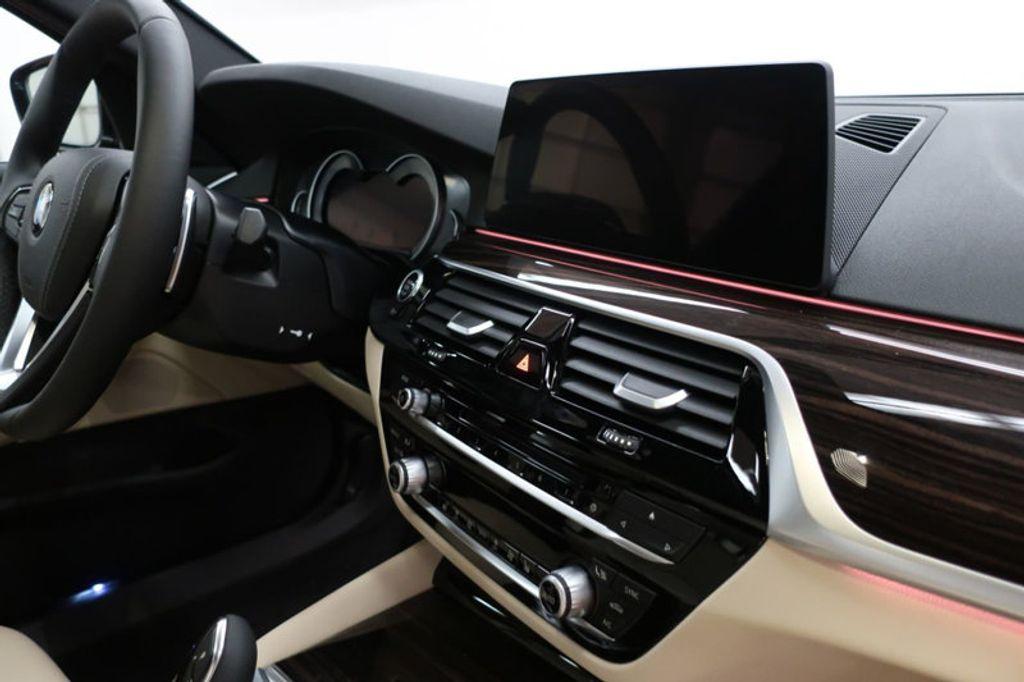 2017 BMW 5 Series 530i - 16635904 - 26
