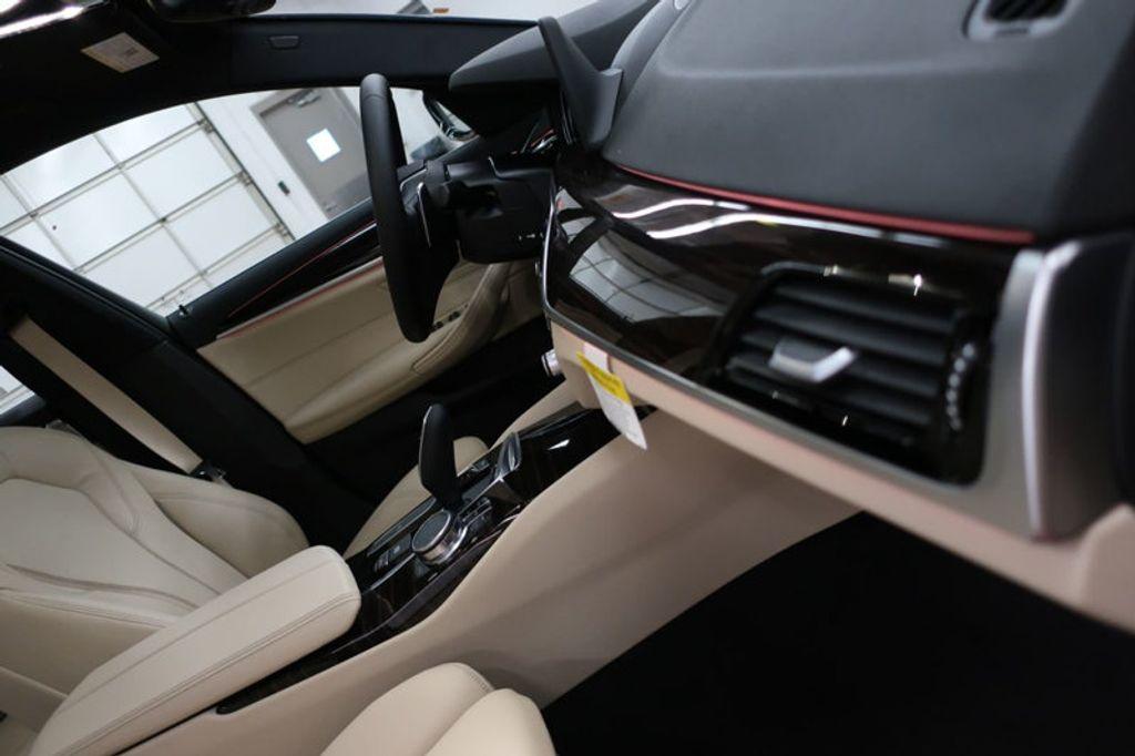 2017 BMW 5 Series 530i - 16635904 - 28
