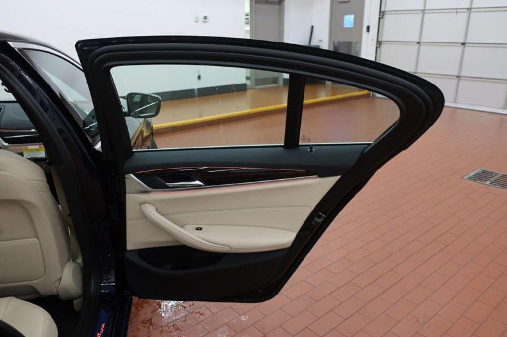 2017 BMW 5 Series 530i - 16635904 - 29