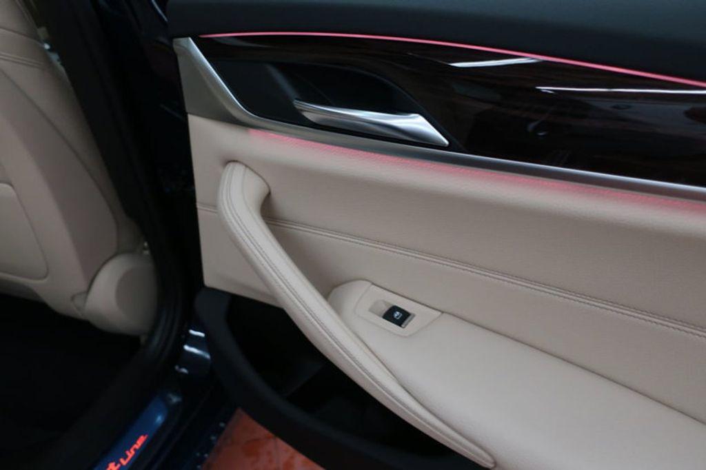 2017 BMW 5 Series 530i - 16635904 - 30