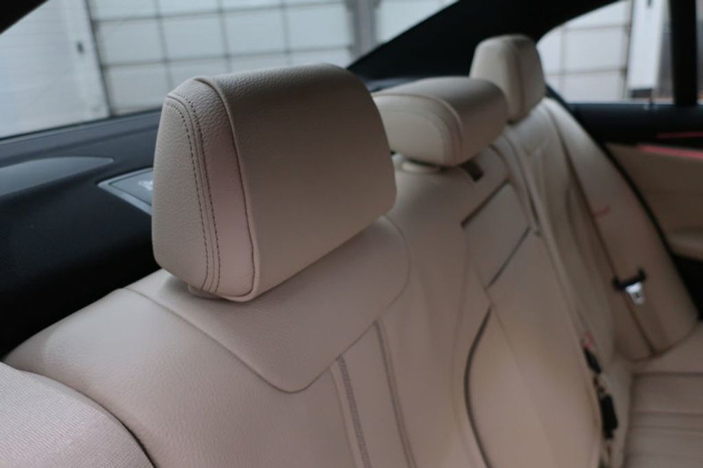 2017 BMW 5 Series 530i - 16635904 - 32