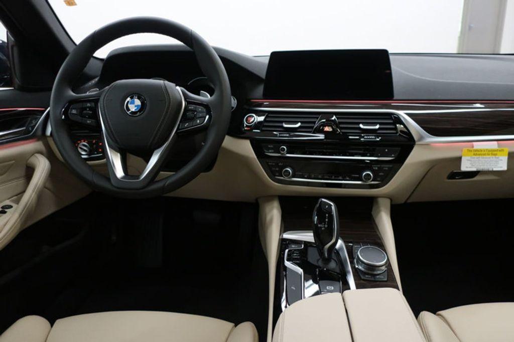 2017 BMW 5 Series 530i - 16635904 - 33