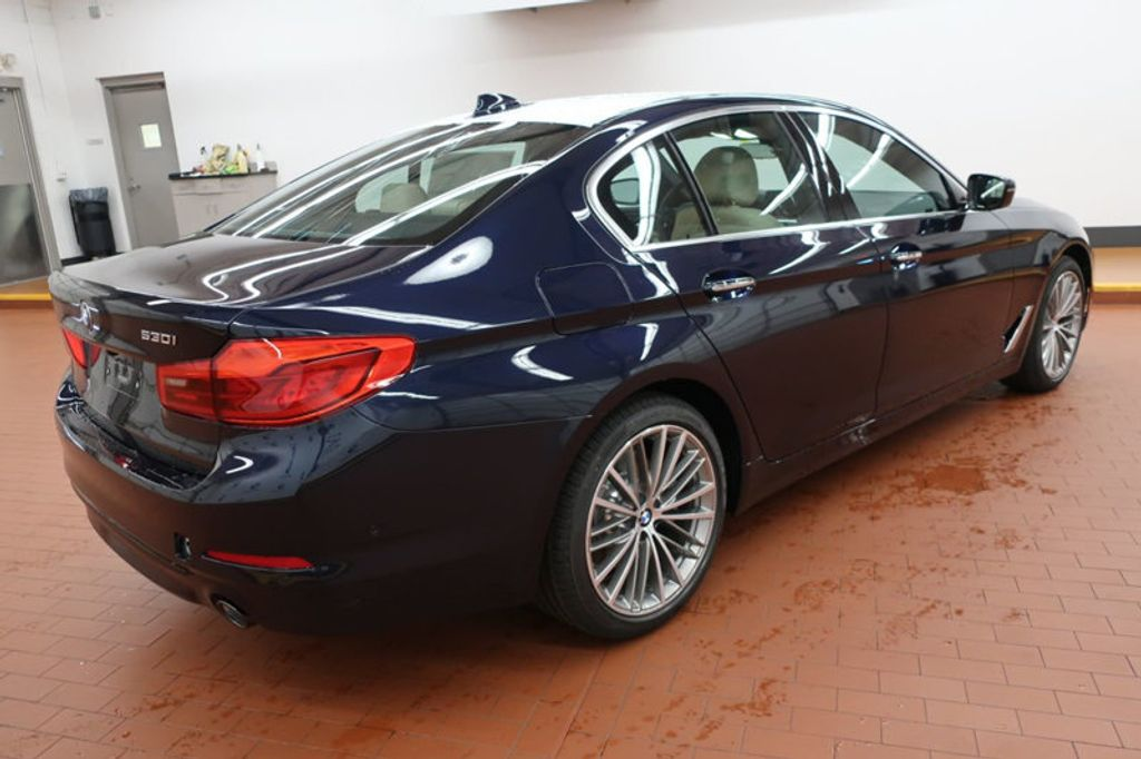 2017 BMW 5 Series 530i - 16635904 - 3