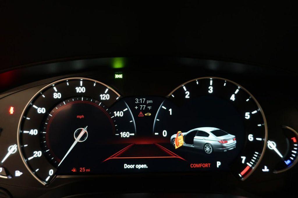 2017 BMW 5 Series 530i - 16635904 - 40