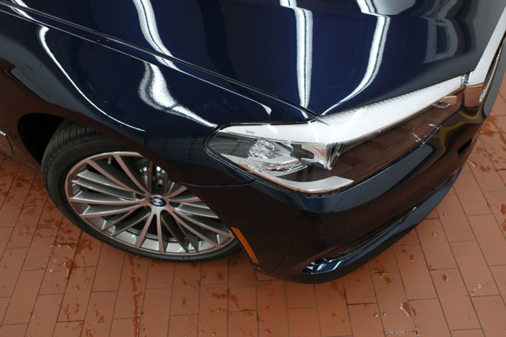 2017 BMW 5 Series 530i - 16635904 - 6