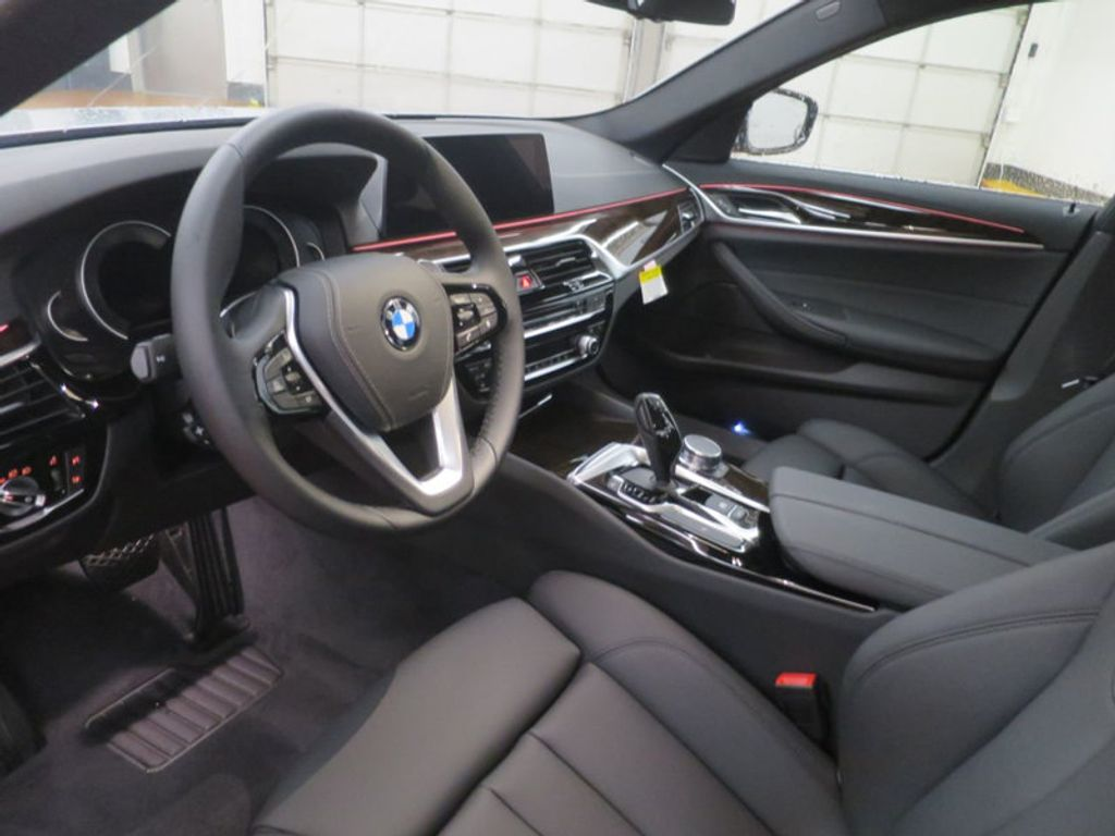 2017 BMW 5 Series 530i - 16723751 - 10
