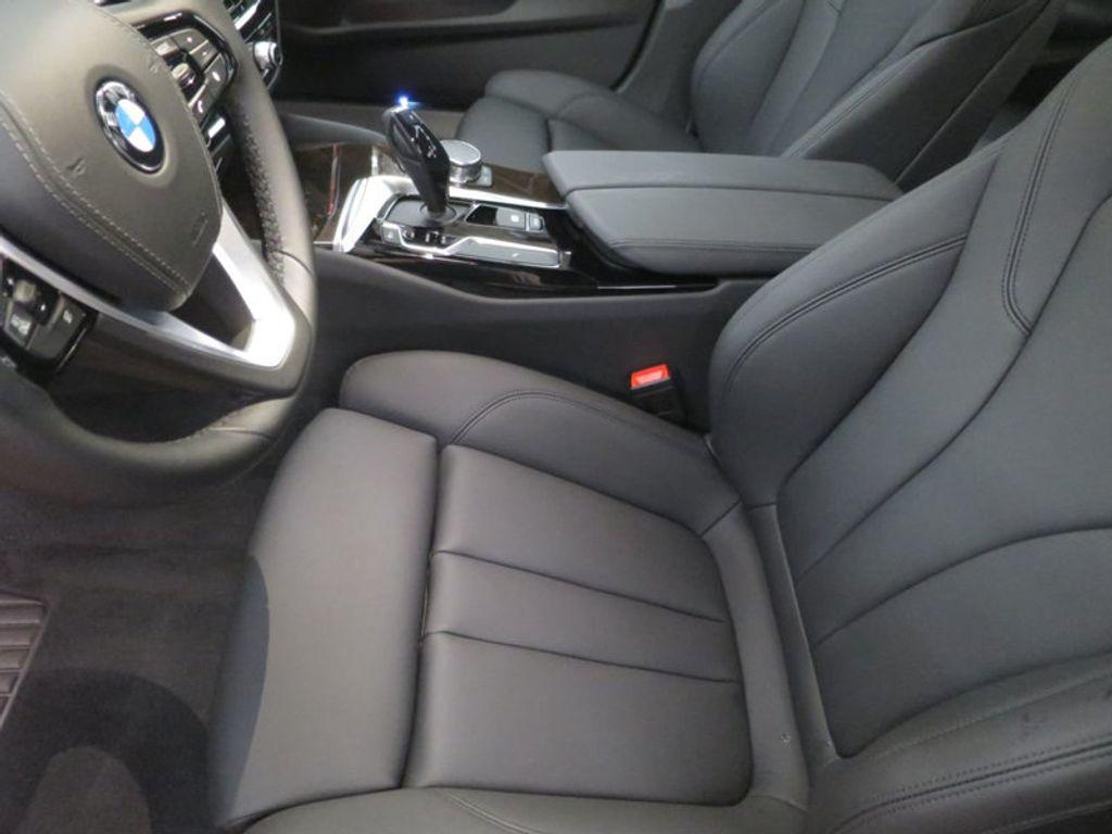 2017 BMW 5 Series 530i - 16723751 - 11