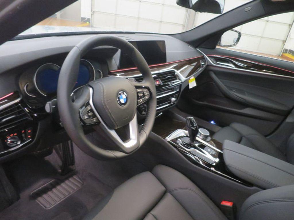 2017 BMW 5 Series 530i - 16723751 - 15