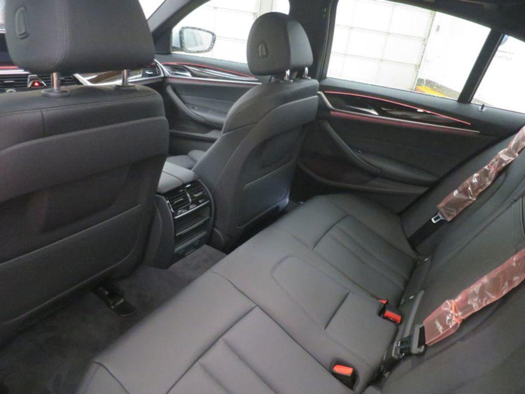 2017 BMW 5 Series 530i - 16723751 - 18