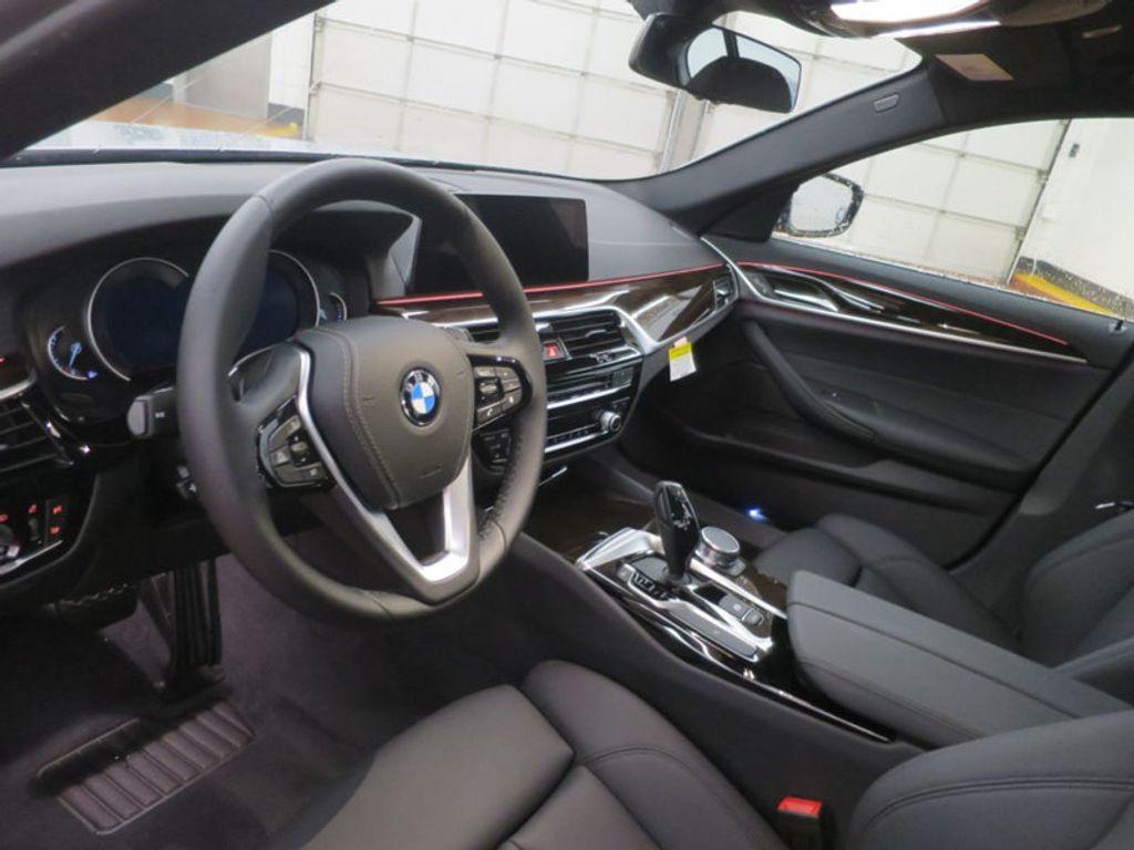 2017 BMW 5 Series 530i - 16723751 - 22