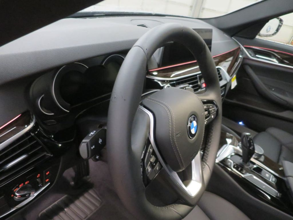 2017 BMW 5 Series 530i - 16723751 - 23