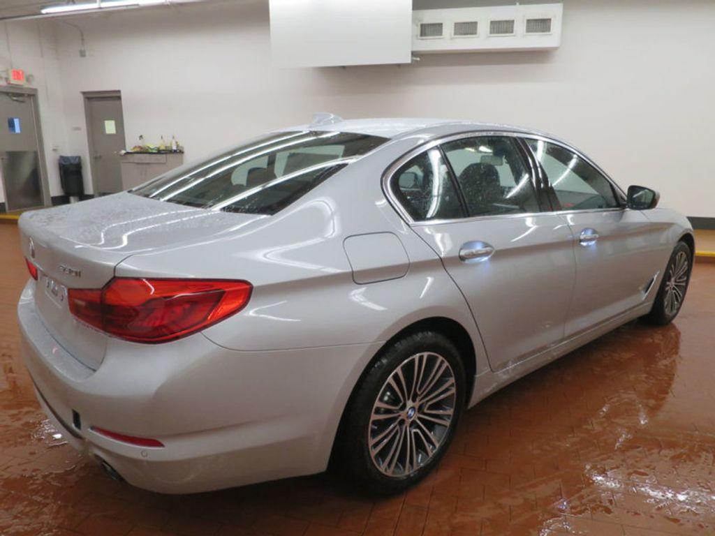 2017 BMW 5 Series 530i - 16723751 - 3
