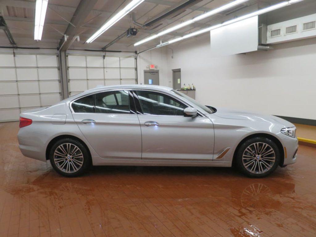 2017 BMW 5 Series 530i - 16723751 - 4