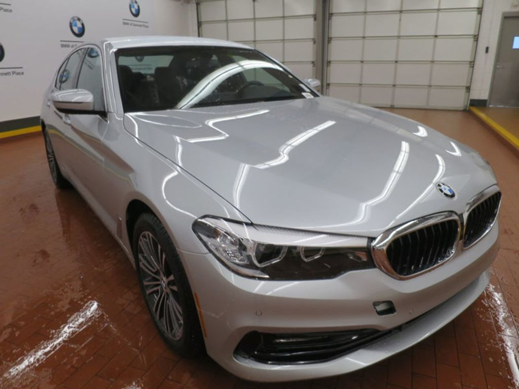 2017 BMW 5 Series 530i - 16723751 - 5