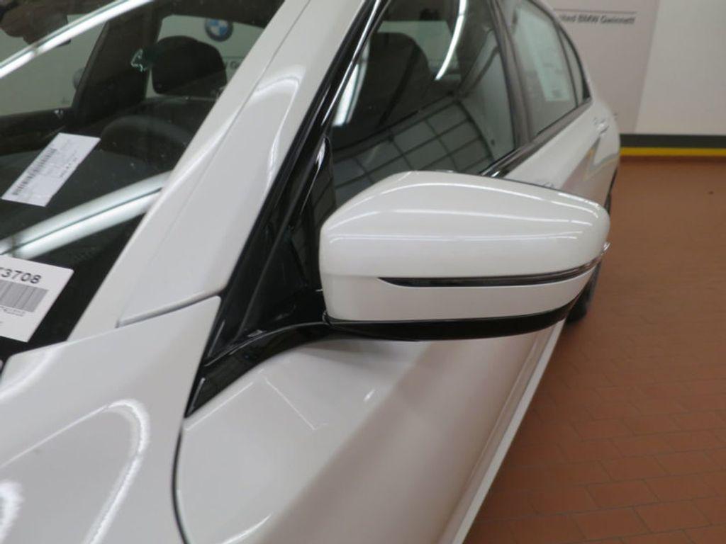 2017 BMW 7 Series 740i - 16087161 - 9