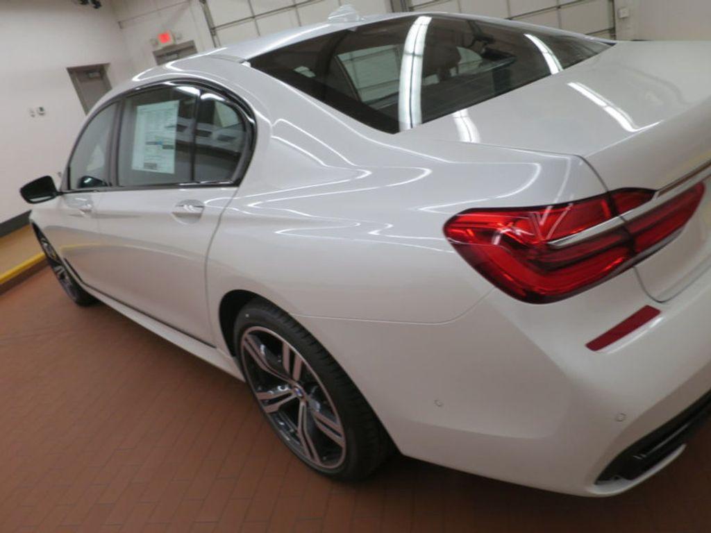 2017 BMW 7 Series 740i - 16087161 - 10
