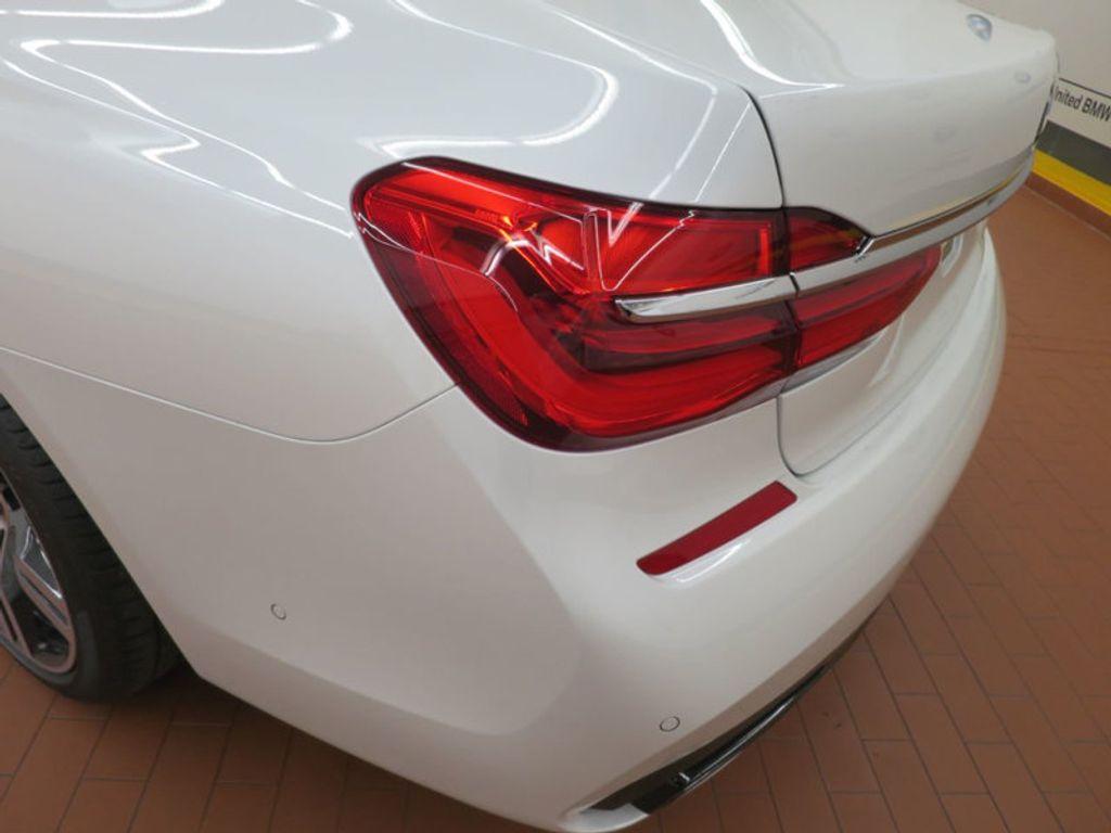 2017 BMW 7 Series 740i - 16087161 - 11