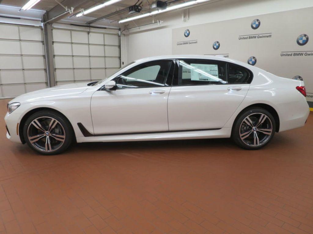 2017 BMW 7 Series 740i - 16087161 - 1