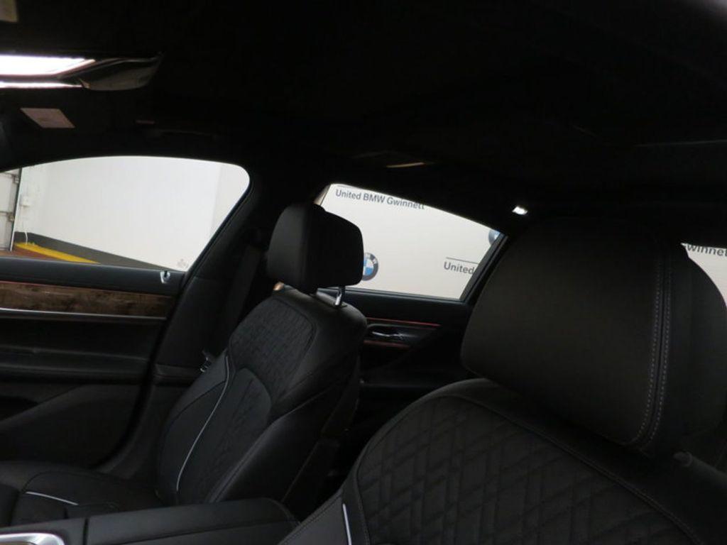 2017 BMW 7 Series 740i - 16087161 - 21