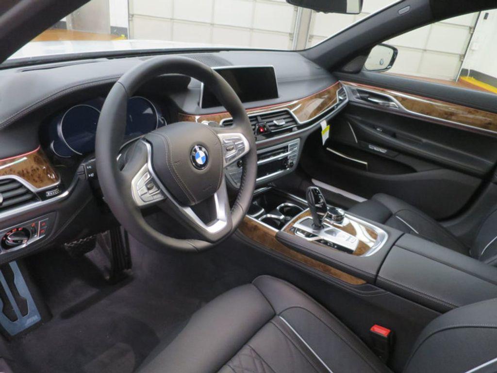 2017 BMW 7 Series 740i - 16087161 - 22