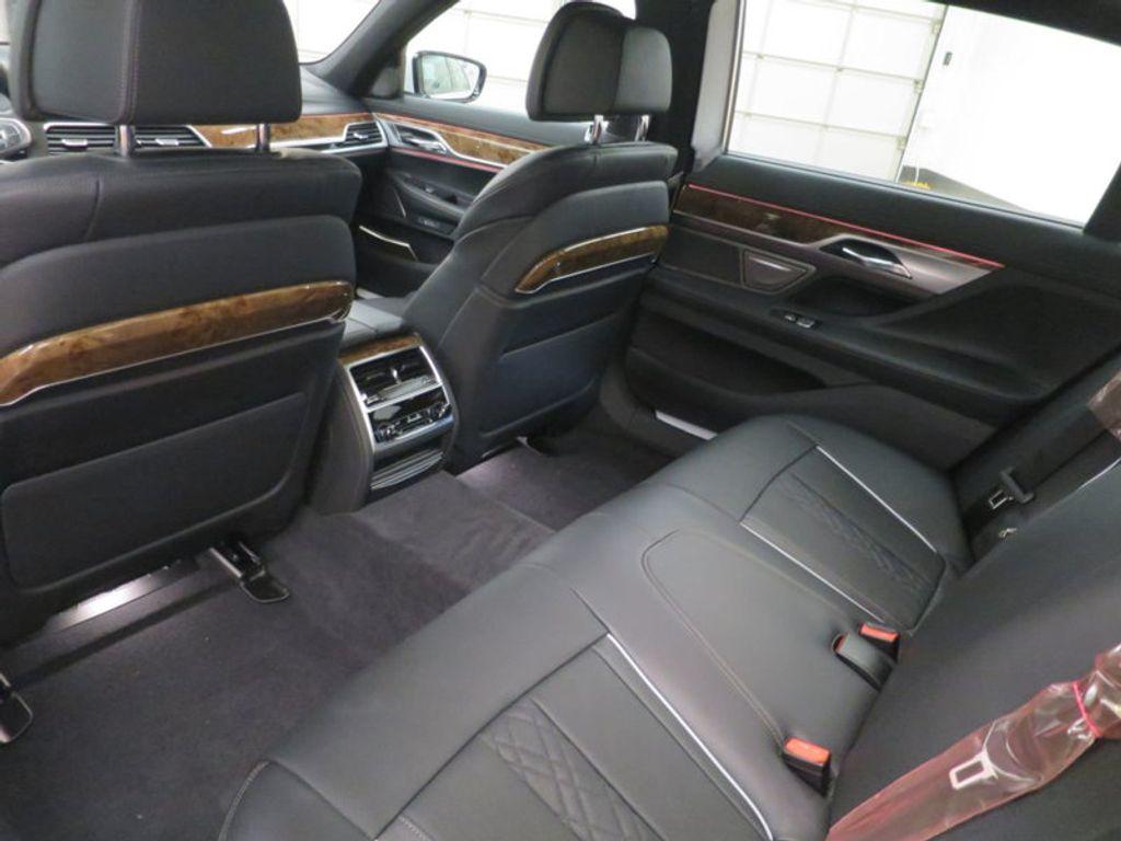 2017 BMW 7 Series 740i - 16087161 - 25