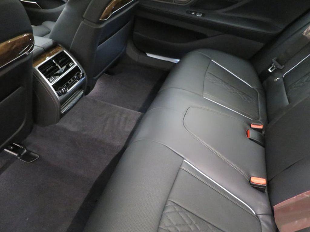 2017 BMW 7 Series 740i - 16087161 - 26