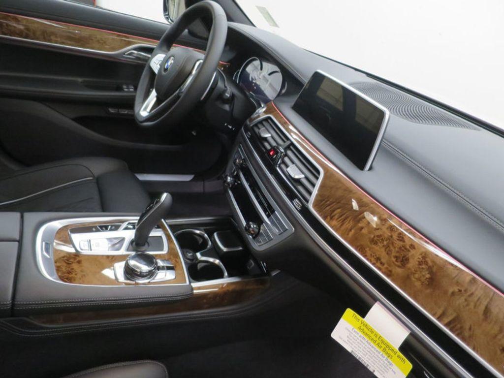 2017 BMW 7 Series 740i - 16087161 - 38