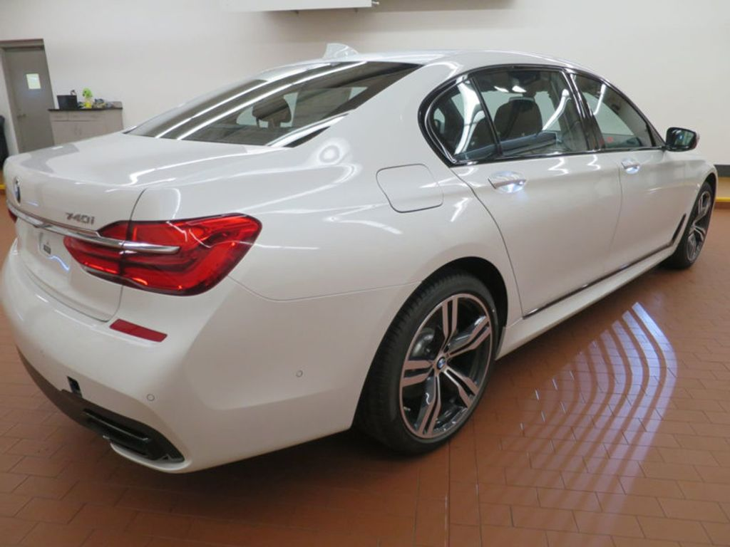 2017 BMW 7 Series 740i - 16087161 - 3