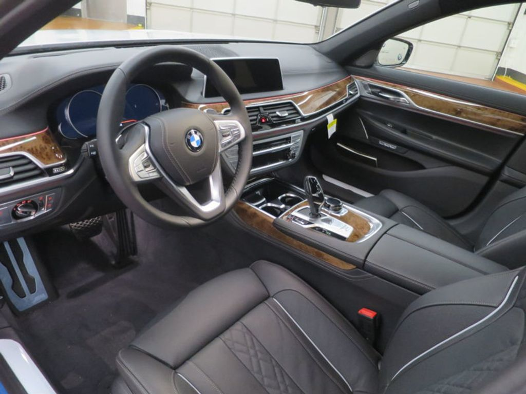 2017 BMW 7 Series 740i - 16087161 - 41
