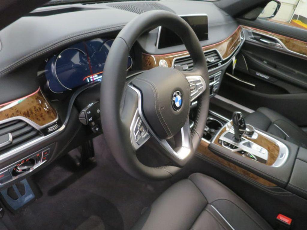 2017 BMW 7 Series 740i - 16087161 - 42