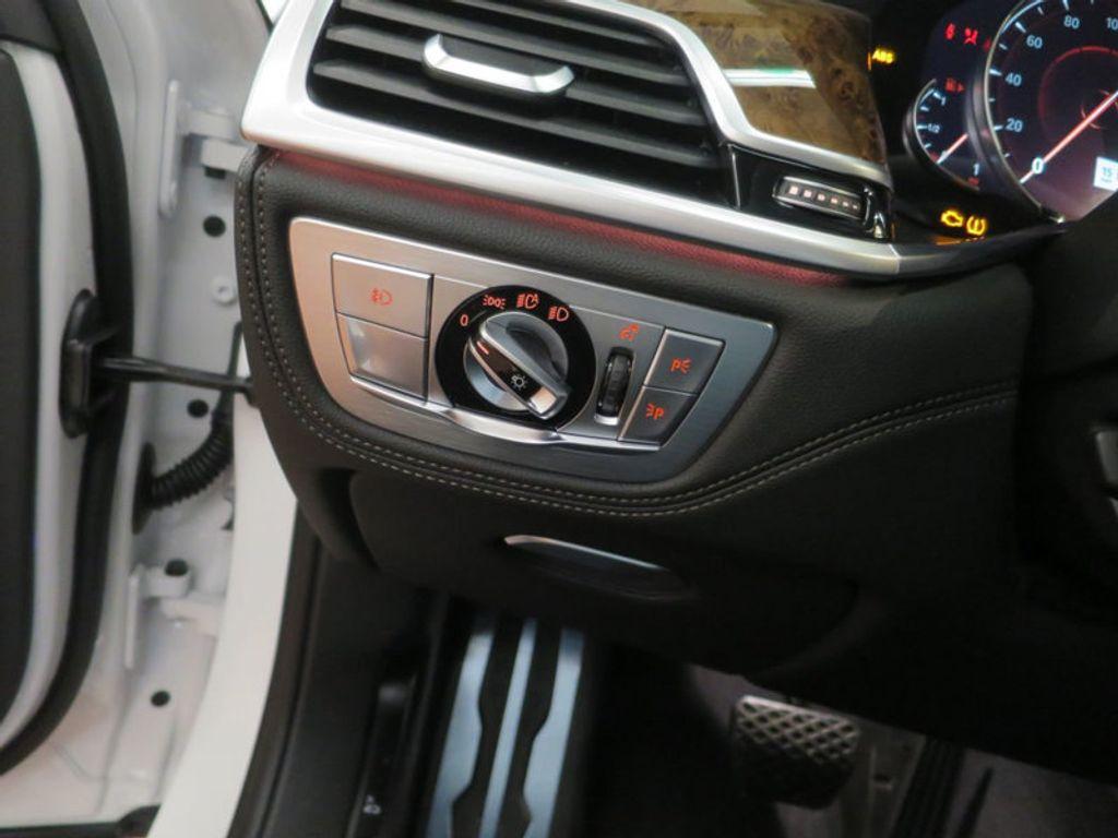 2017 BMW 7 Series 740i - 16087161 - 43