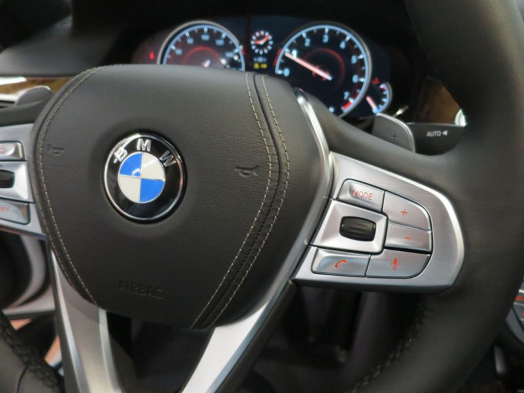 2017 BMW 7 Series 740i - 16087161 - 47