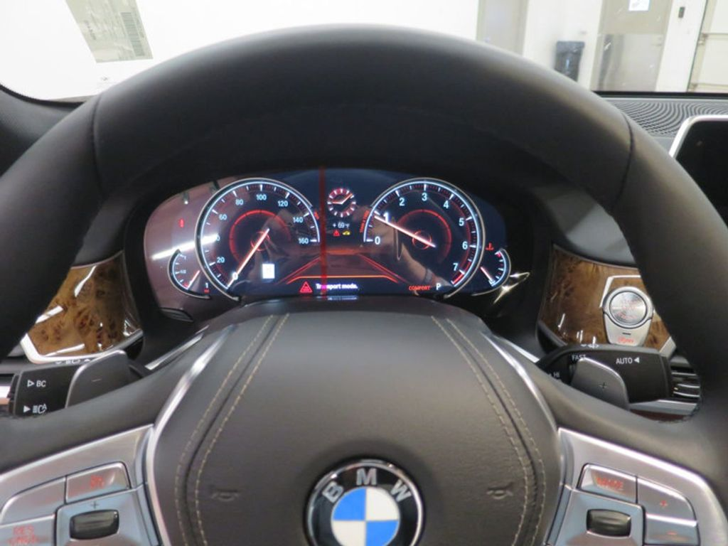 2017 BMW 7 Series 740i - 16087161 - 48