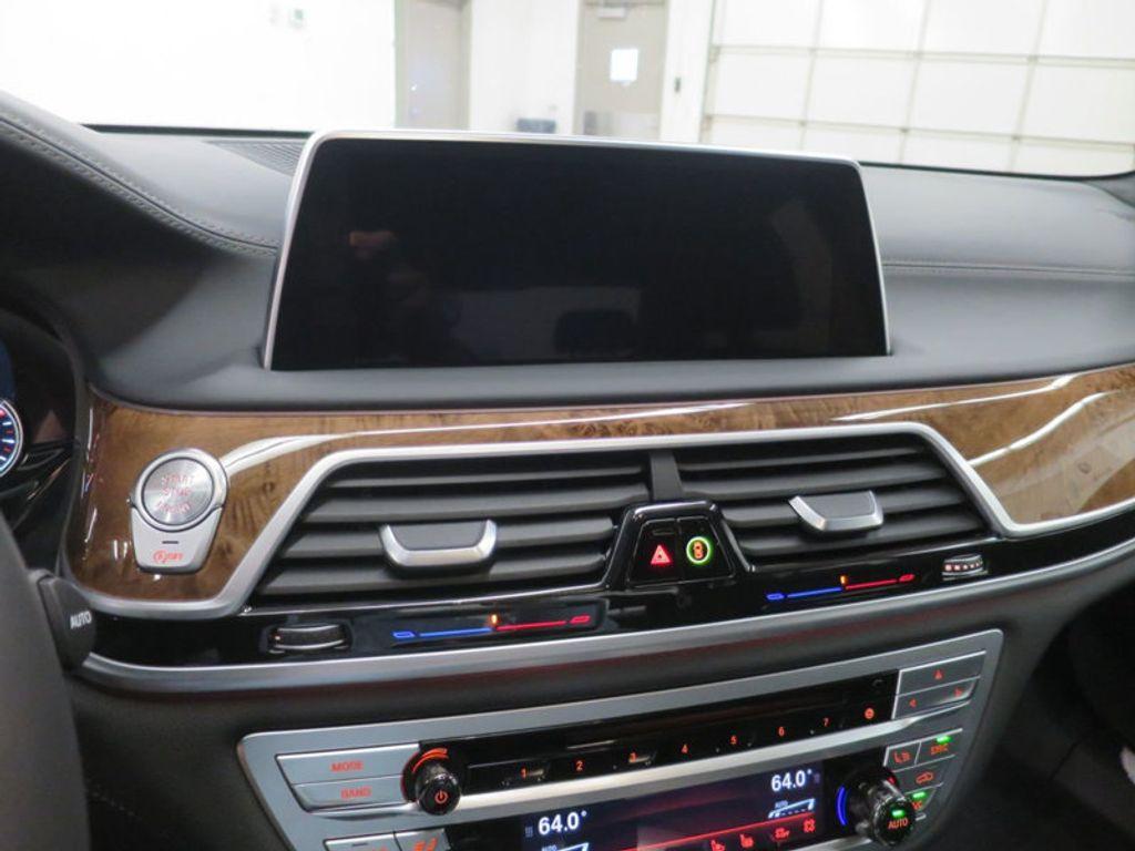 2017 BMW 7 Series 740i - 16087161 - 49