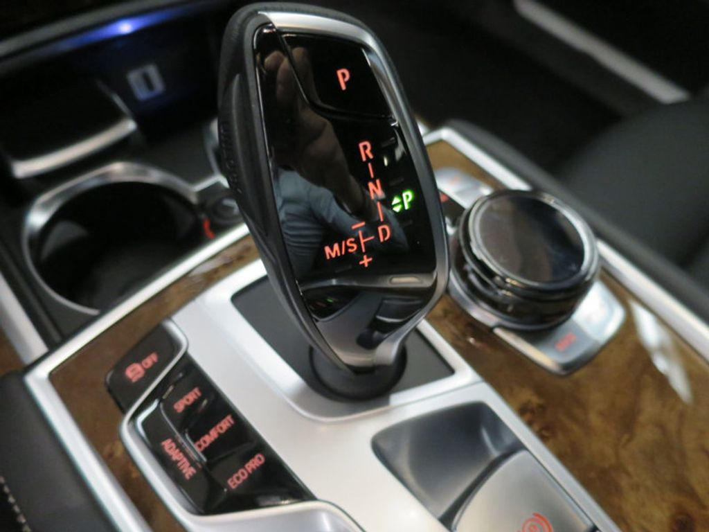 2017 BMW 7 Series 740i - 16087161 - 54
