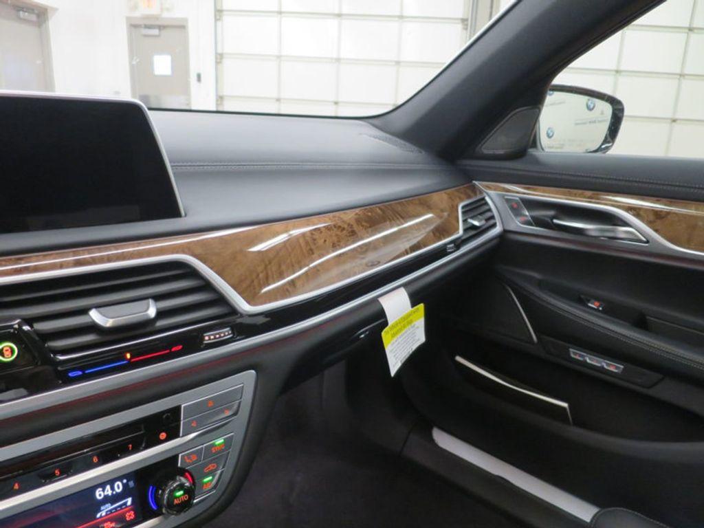 2017 BMW 7 Series 740i - 16087161 - 59