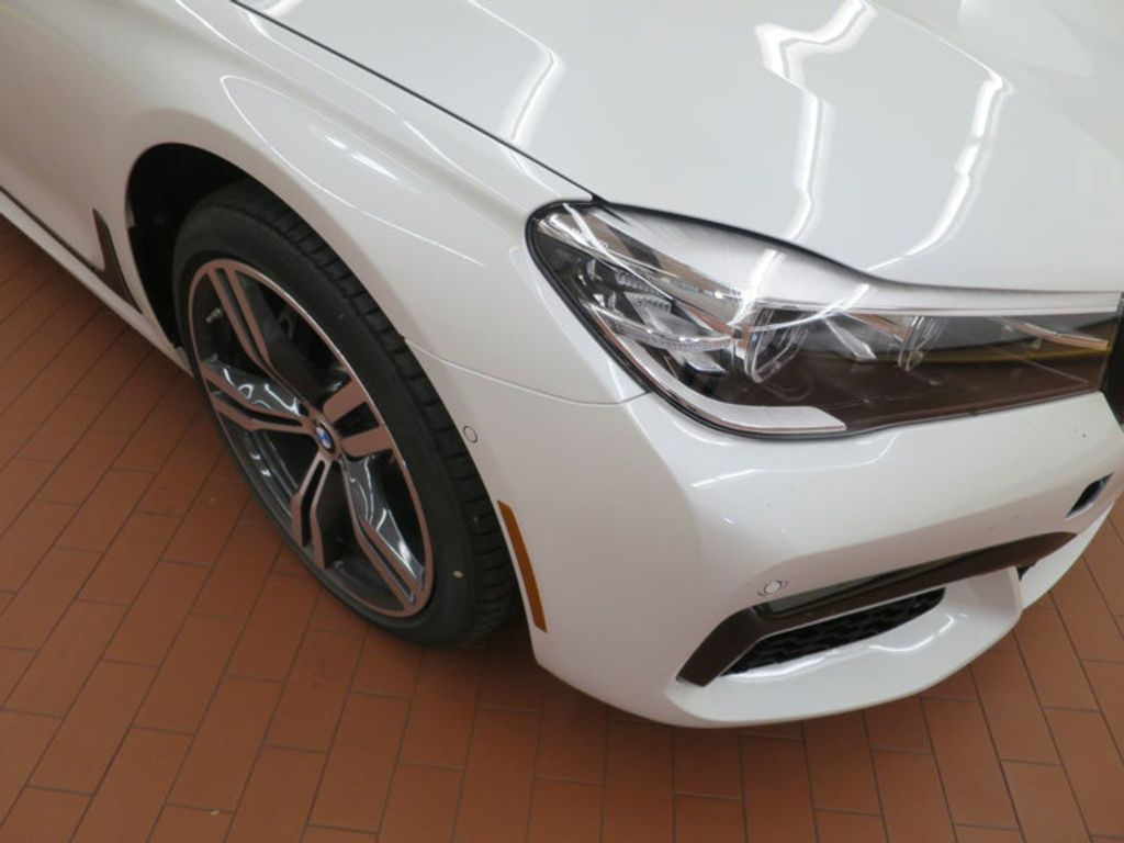2017 BMW 7 Series 740i - 16087161 - 6