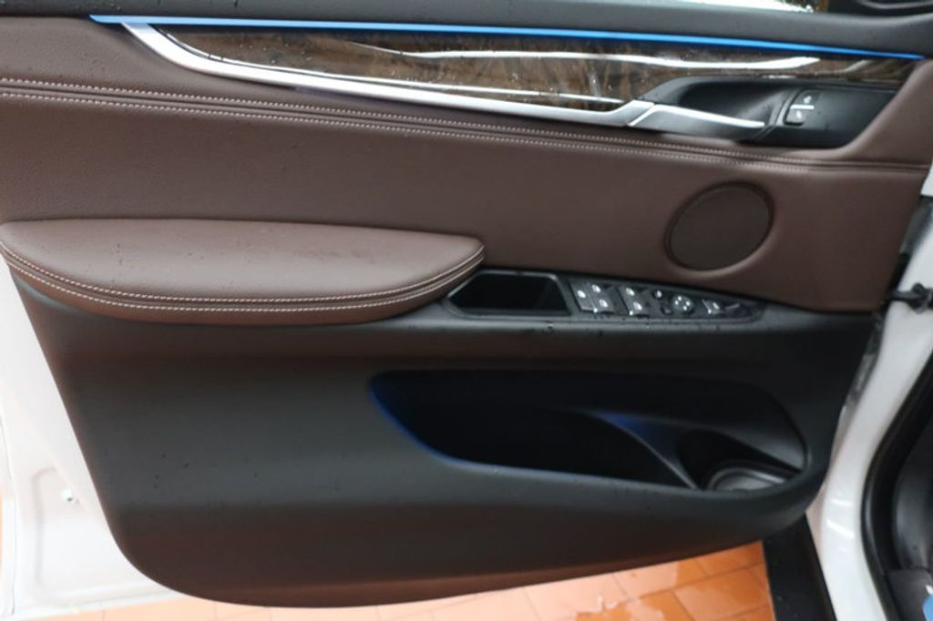 2017 BMW X5 sDrive35i Sports Activity Vehicle - 16712951 - 9