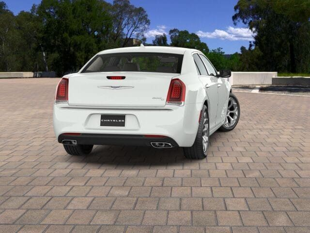 2017 Chrysler 300 300C Platinum RWD - 16953785 - 1