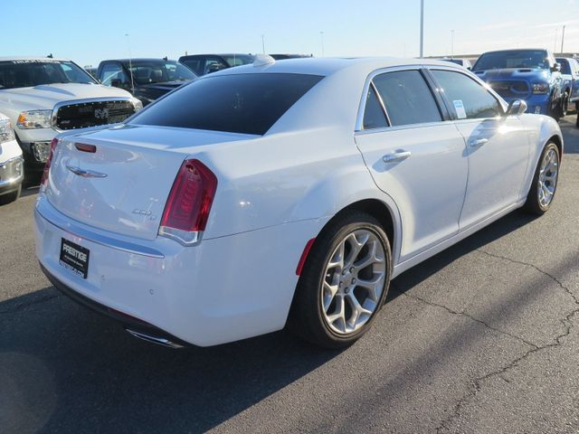 2017 Chrysler 300 300C Platinum RWD - 16953785 - 3