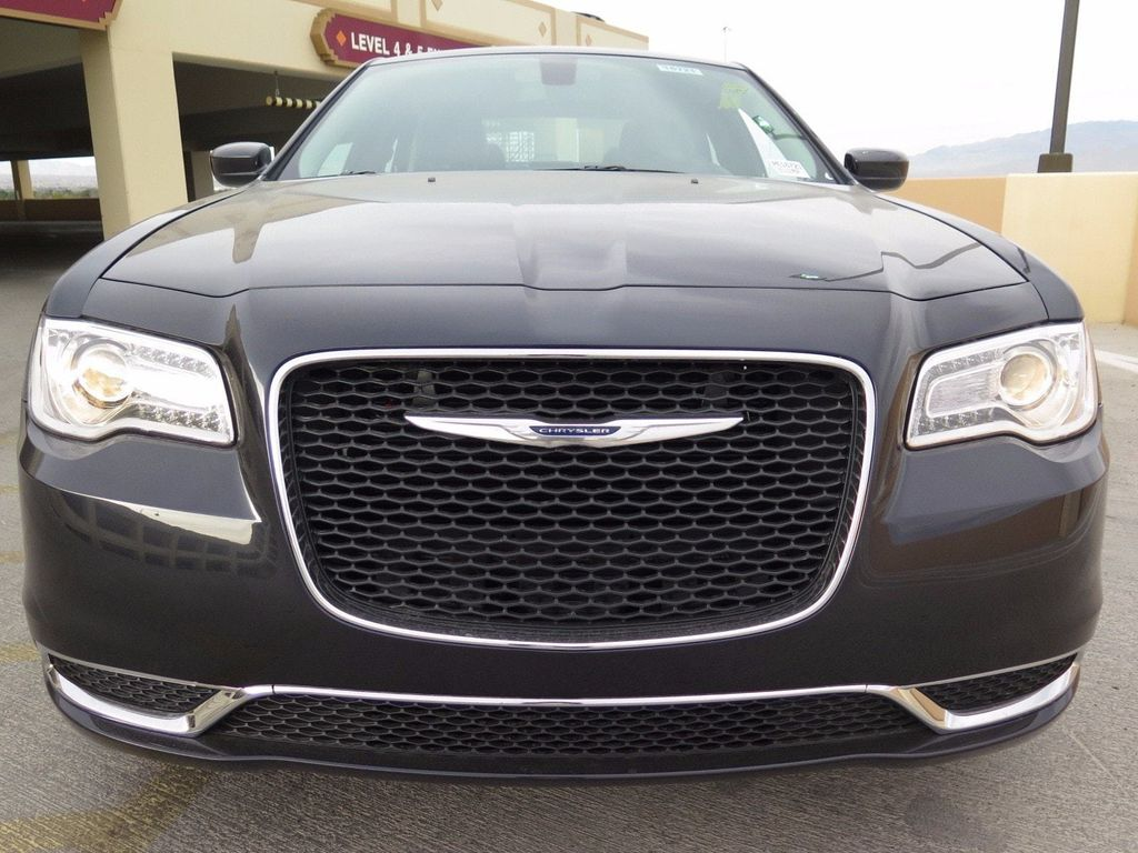 2017 Chrysler 300 Limited RWD - 16731736 - 1