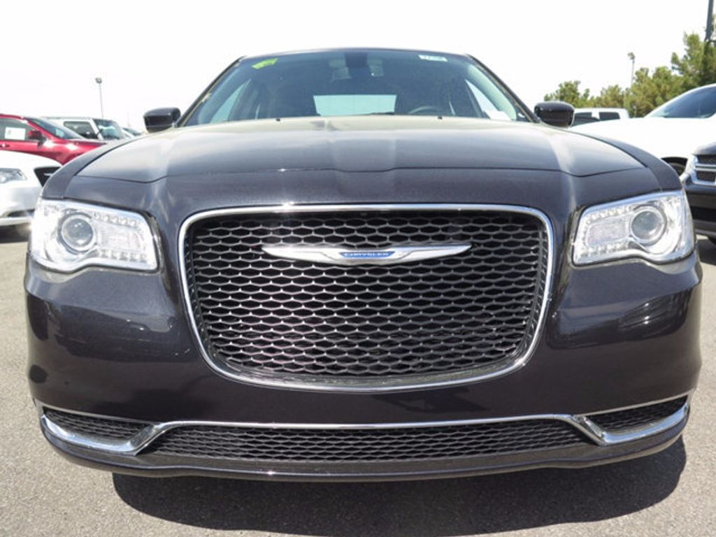 2017 Chrysler 300 Limited RWD - 16731739 - 1