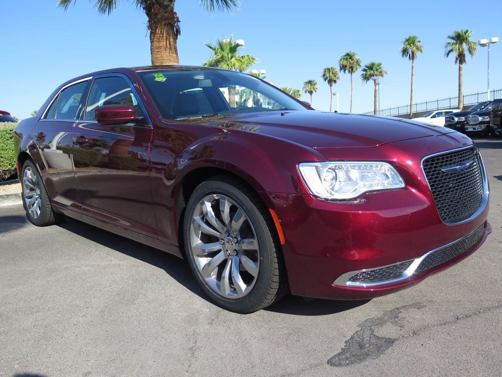 2017 Chrysler 300 Limited RWD - 16731752 - 3