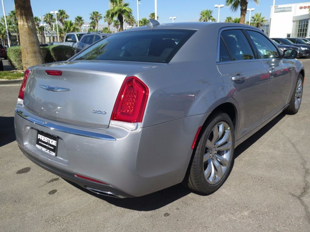 2017 Chrysler 300 Limited RWD - 16731754 - 3