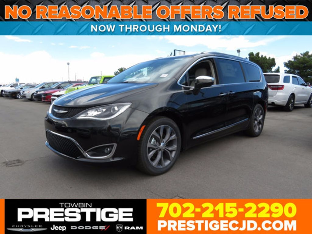 2017 Chrysler Pacifica Limited - 16731545 - 0