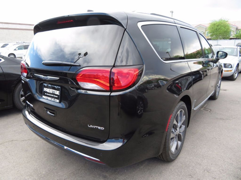 2017 Chrysler Pacifica Limited - 16731545 - 3