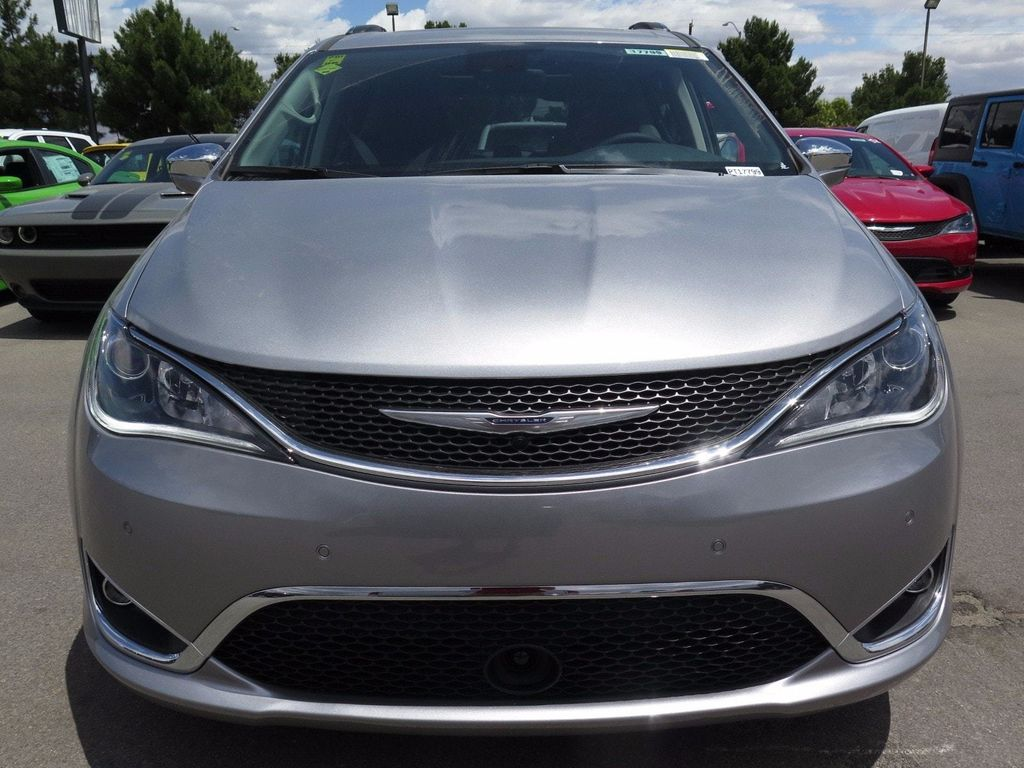 2017 Chrysler Pacifica Limited - 16731546 - 1