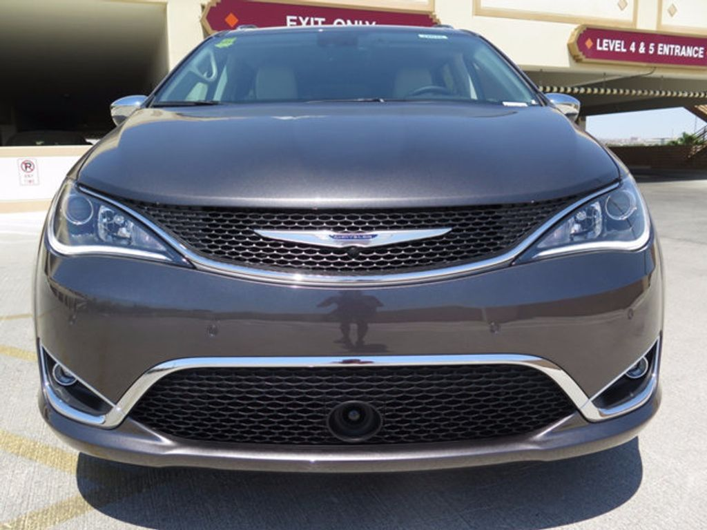 2017 Chrysler Pacifica Limited - 16731550 - 1