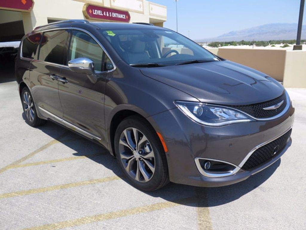 2017 Chrysler Pacifica Limited - 16731550 - 2