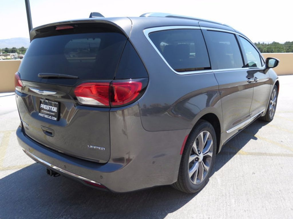2017 Chrysler Pacifica Limited - 16731550 - 3